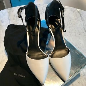 Sigerson Morrison White & Black Leather Shoes